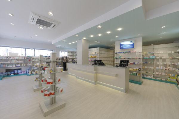 Farmacia con banco centrale